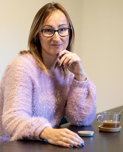 Julia Palm, hörselhjälpmedel